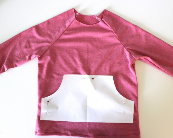 Adding a kangaroo pocket to the Oliver + S Field Trip Raglan T-shirt