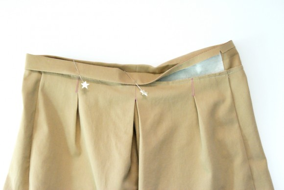 Attaching the waistband on the Oliver + S Lunch Box Culottes