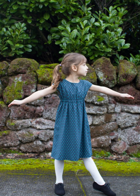 learn how to sew a fully reversible roller skate dress using cotton + steel rayon fabric.
