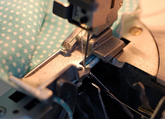 Doing a lettuce hem using a serger
