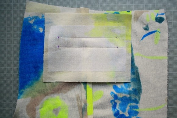 Adding bow welt pockets to the Oliver + S Art Museum pattern
