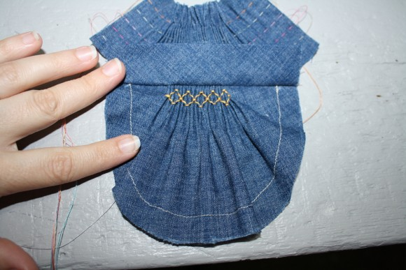 Oliver + S Puppet Show Shorts smocked pocket tutorial