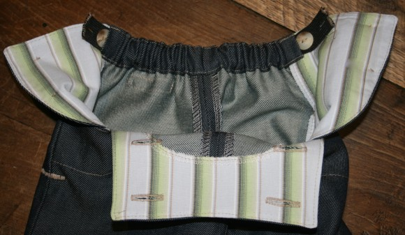 Adjustable elastic waistband on the Oliver + S Sailboat Pants