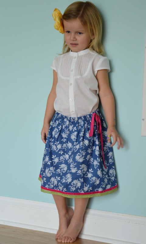 Ribbon and lace trim at the hem of the Oliver + S Lazy Days Skirt