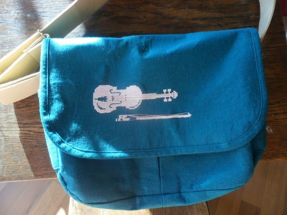 Violin cross sitch on the Messenger Bag from Little Things to Sew