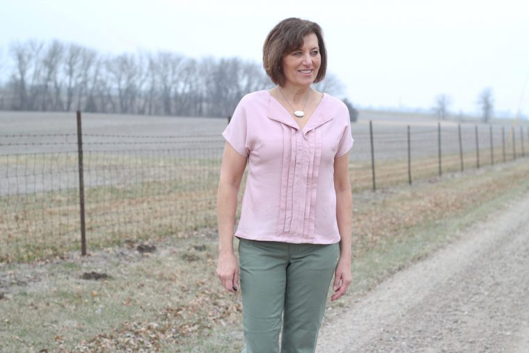 Liesl + Co. Weekend Getaway Blouse with pleats
